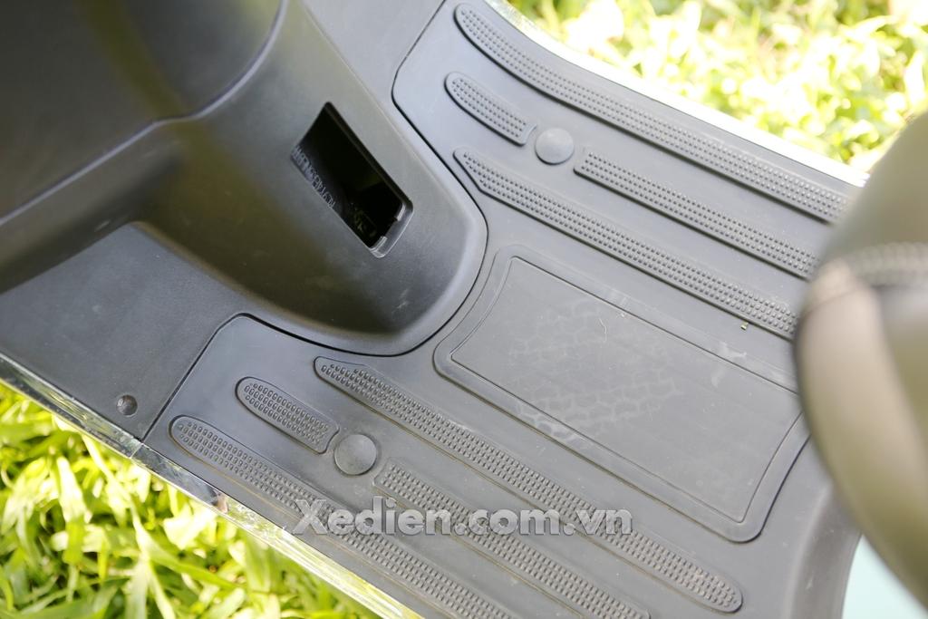 xe điện jvc vespa đèn tròn