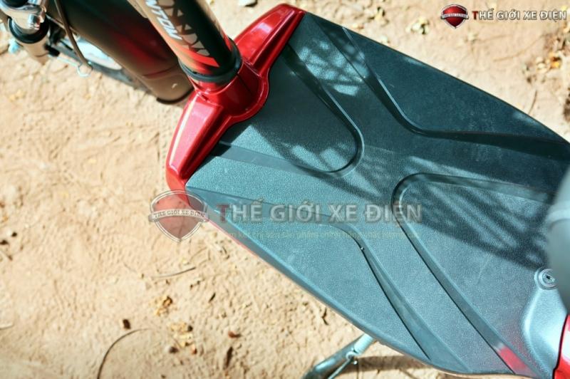 sàn để chân xe điện 133 phantom