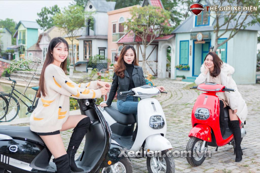 Xe điện JVC Royal phanh đĩa phù hợp với những cô nàng cá tính